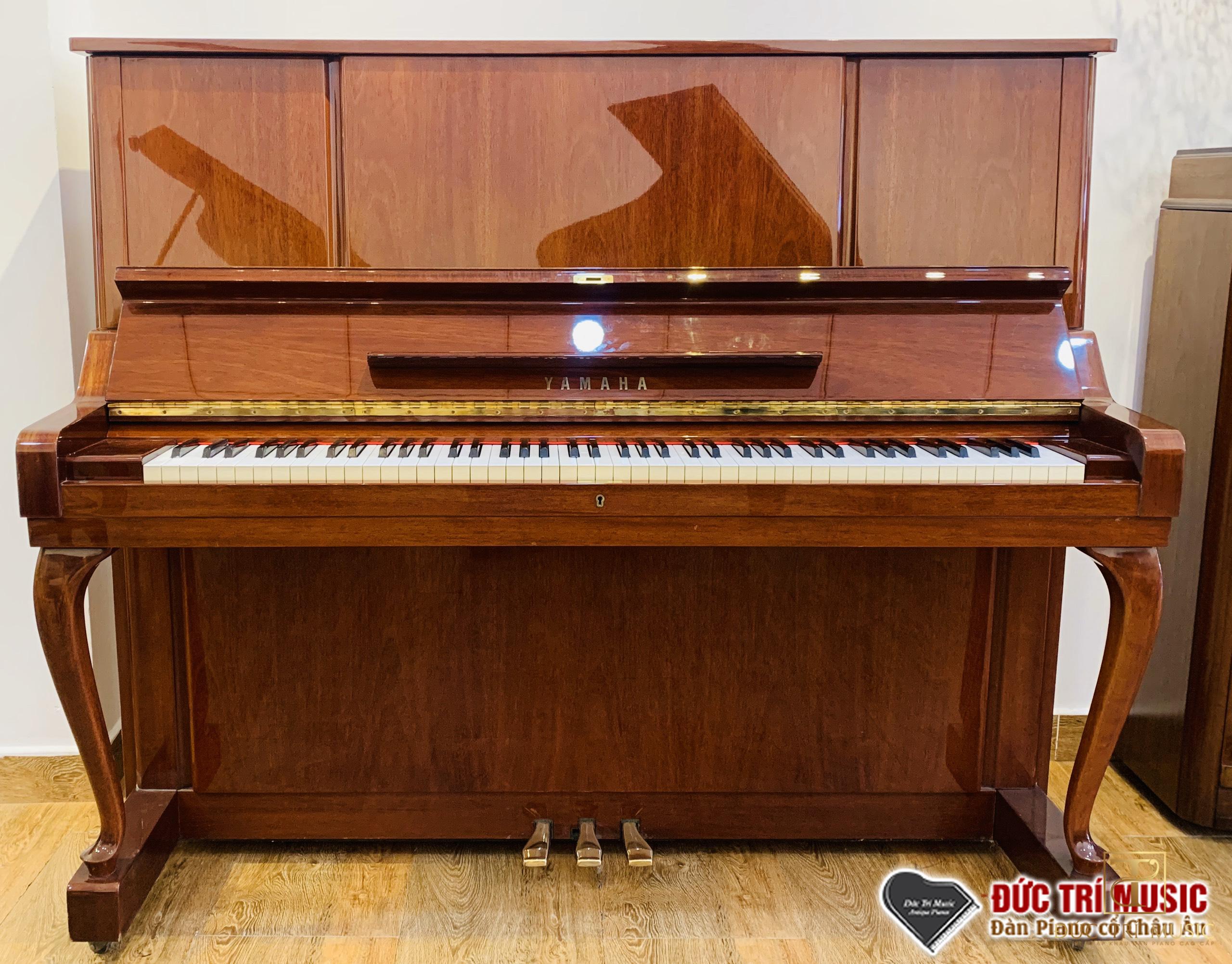 đàn piano yamaha w106b trưng bày tại đức trí music